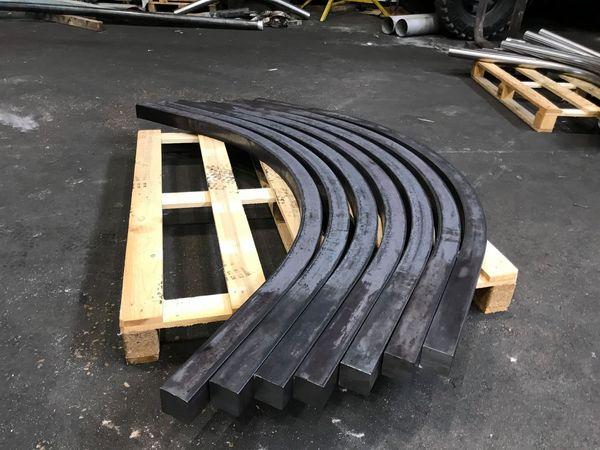 Une série de 130 pièces à venir. 88.9 épaisseur 5.49 mm, rayon 356 intérieur